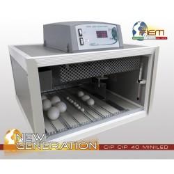 Couveuse Fiem automatique pour 40 œufs
